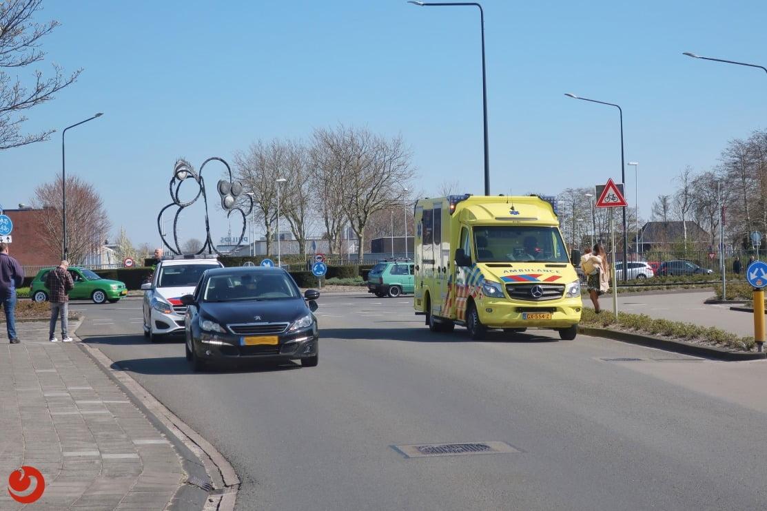Racefietser gewond na aanrijding met auto.