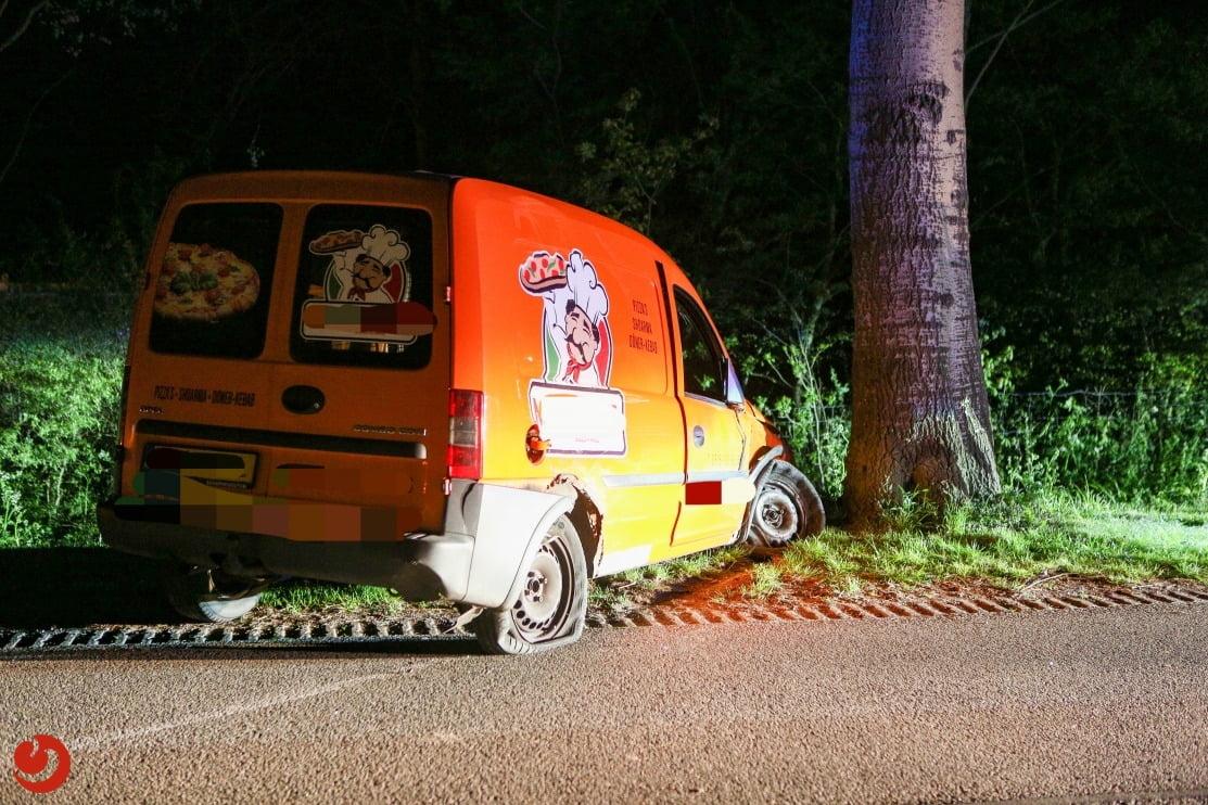 Hulpdiensten in actie voor eenzijdig ongeval.